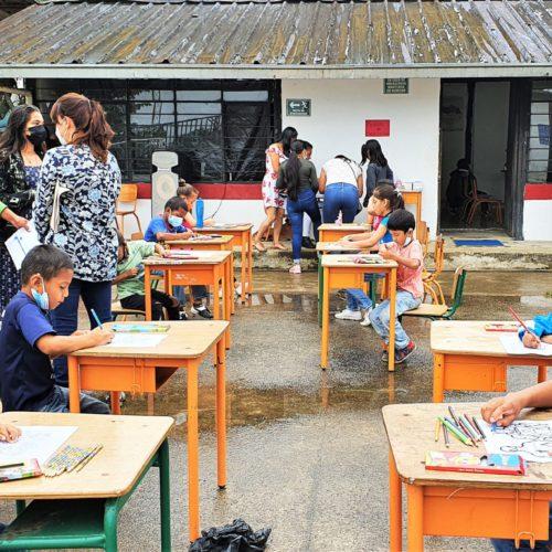 Brigada oftalmológica pediátrica atiende a niños y adolescentes del noroccidente de Pichincha.
